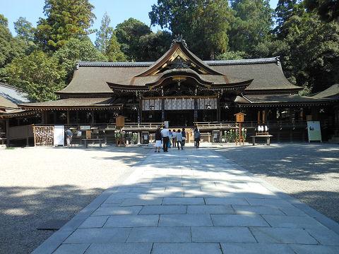 大神神社の拝殿 - ぶっちゃけ古事記