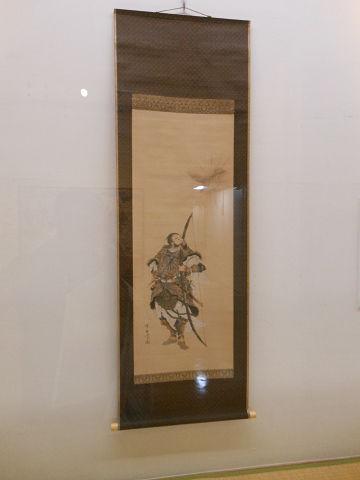 神武帝図 - 金の鳶がまばゆい光放つ、天皇というよりは完全に武人【大古事記展】のキャプチャー
