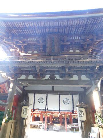 石上神宮の回廊(重要文化財)近撮 - ぶっちゃけ古事記