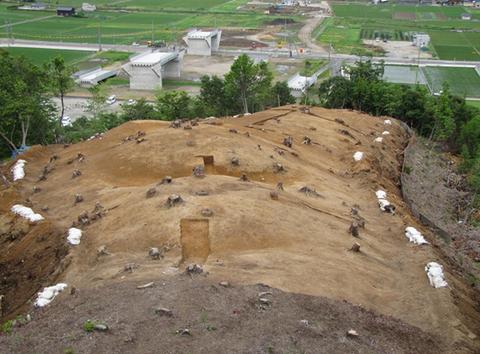 重山古墳群で弥生後期と古墳中後期の古墳が発見される、人骨なども出土 - 鳥取のキャプチャー