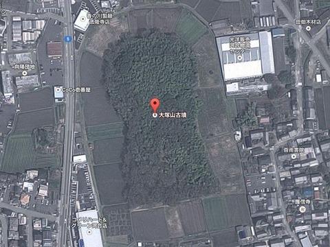 川合大塚山古墳(奈良県・河合町) by Googleアース - ぶっちゃけ古事記