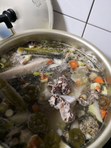 2月25日ブイヨン、豚バラ下茹で