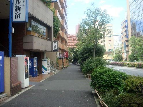 むろや@新宿御苑前-周辺