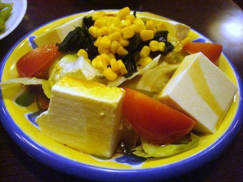 居酒屋 赤ひょうたん-豆腐とトマトのサラダ