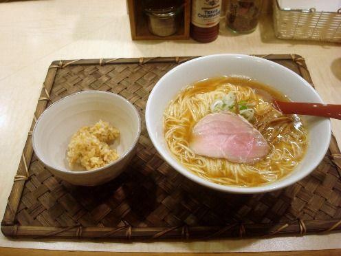 食堂七彩-都立家政-新しい醤油ラーメン・玄米ご飯