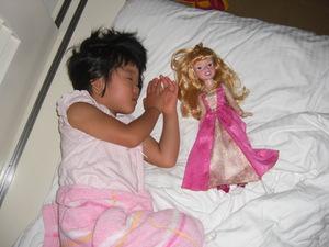 眠れる二人