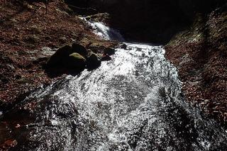 s-PB121590 3段10m滝を上から俯瞰