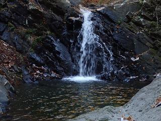s-PB061318釜のある3mの滝