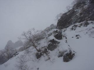 PC300019日ノ岳稜取り付き・中山尾根側から