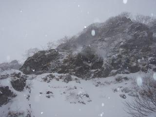 PC300020日ノ岳稜取り付きから上