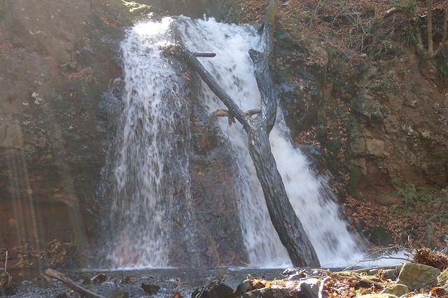 s-PB121588 3段10m滝の1段目