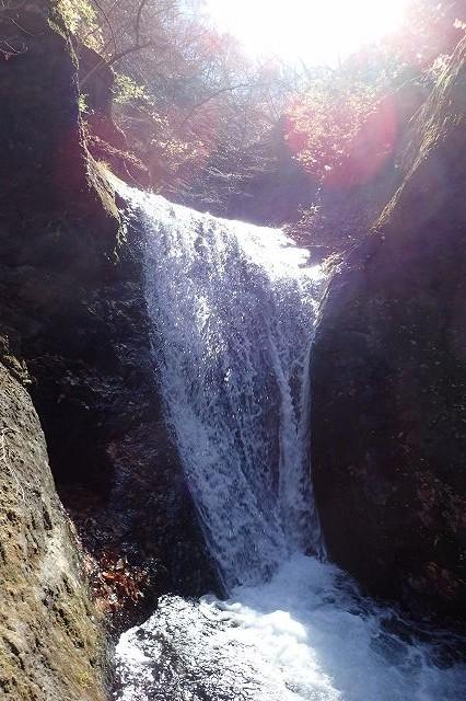 s-PB121589 3段10m滝の2段目