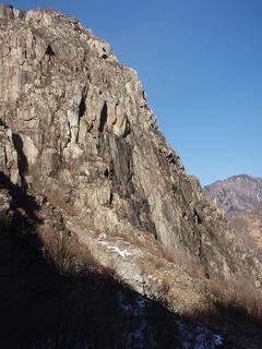 P1130058中央岩峰とTCMパーティ