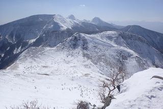 s-26-東天狗岳より八ヶ岳南部を望むP2211526