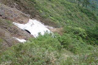 s-66雪渓を横断P6061363