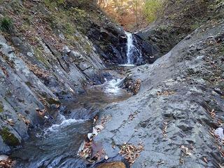 s-PB061317釜のある3mの滝