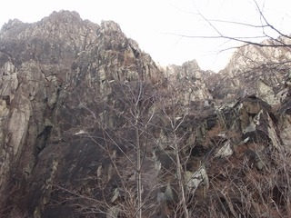 P1130028中央岩峰右岩壁チコちゃんルート