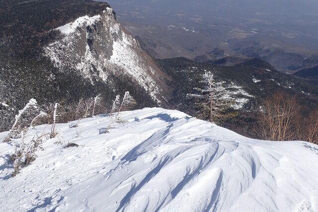 s-24-シュカブラと稲子岳南壁P2211508
