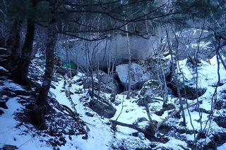 s-PC311534千丈ノ岩小舎とテント