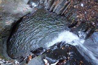s-PB061323釜のある3mの滝