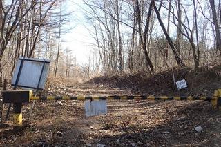 s-PB121631林道のゲート