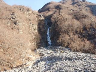 P1130019松木沢左岸の氷瀑・全景