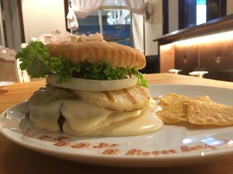 丁寧なお店づくりの伝わるテディーズ〜Teddy's Bigger Burgers(センター北)〜