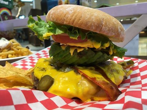 チョイス次第で自分好みなバーガーを頂ける!〜Teddy's bigger burger(みなとみらい)〜