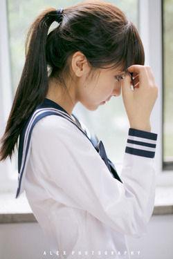 清涼な空気感w制服姿の美少女が醸し出す空気感はいいね!