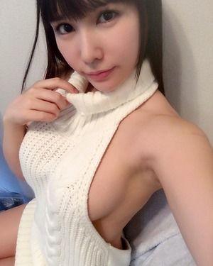 横乳に背中に!童貞を殺すセーターの着こなしをわかってる子画像www