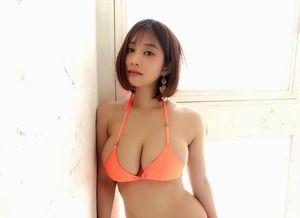 肩幅の狭い細身ボディでビキニからハミ乳するほどデカパイなドスケベボディ橘花凛画像!