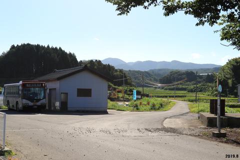 上野新【新潟県関川村】 : バスと終点と私