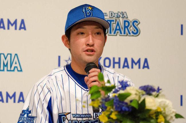 オタクで有名な横浜DeNA野川拓斗投手、自分のグローブを『ハッカドール』仕様にするwwwww