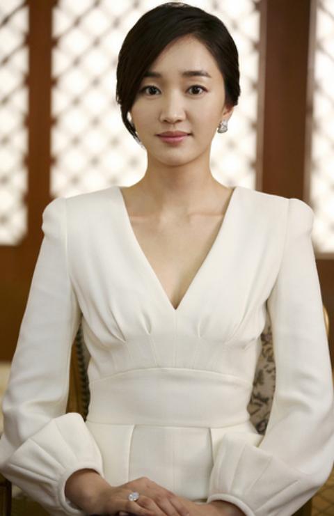 【2ch芸能ニュース】渡辺謙も一目ぼれ?韓国の至宝「涙の女王」スエ・日本で芸能活動を始動へ