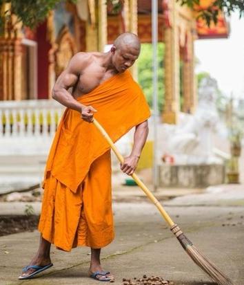 【ニュース】ムキムキすぎる強そうな僧侶が話題