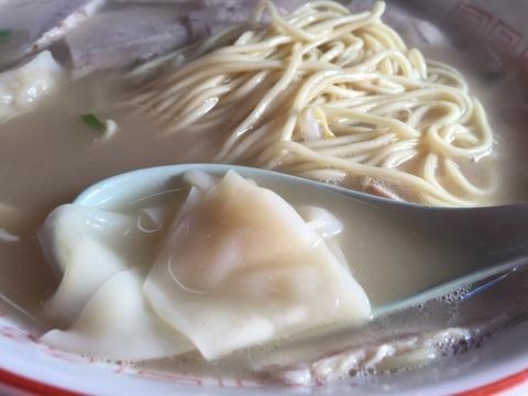 麺とワンタン