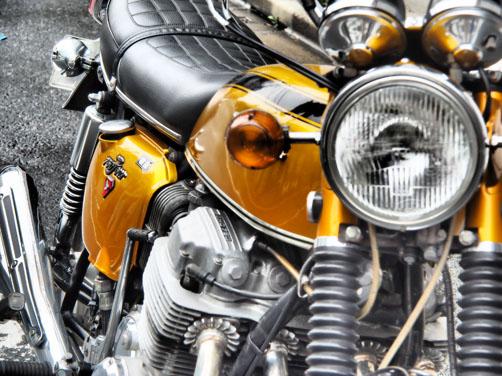 凄いクルマ!!  凄いオートバイ!?