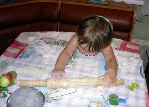 強制労働させられる赤ちゃん6