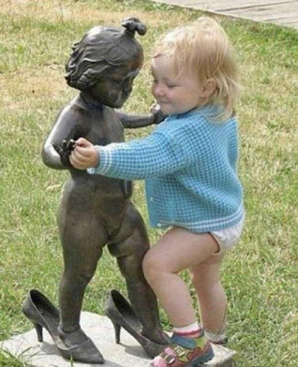 像と遊ぶ人々12