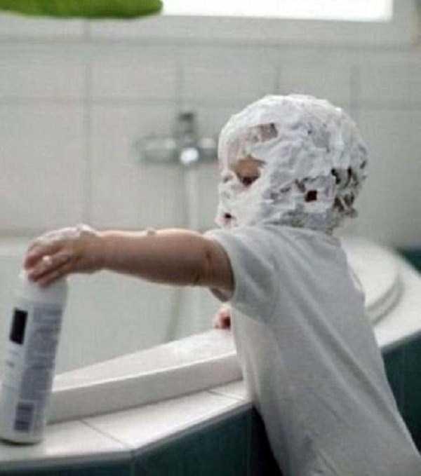 強制労働させられる赤ちゃん10
