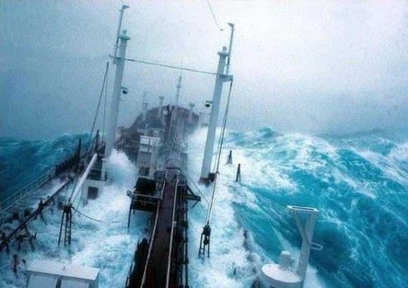 嵐の船で撮影1