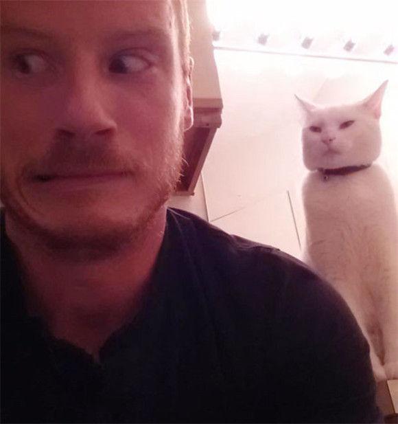 ネコに狙われている10
