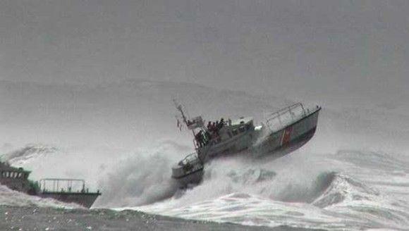 嵐の船で撮影12