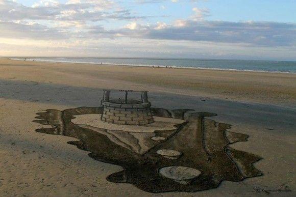 砂浜に書いたトリックアートが凄い8