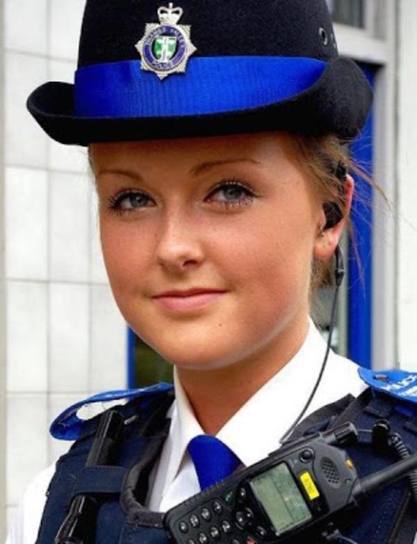 美しい女性警察官6