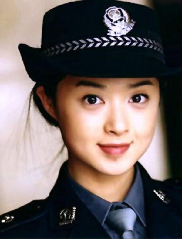 美しい女性警察官10
