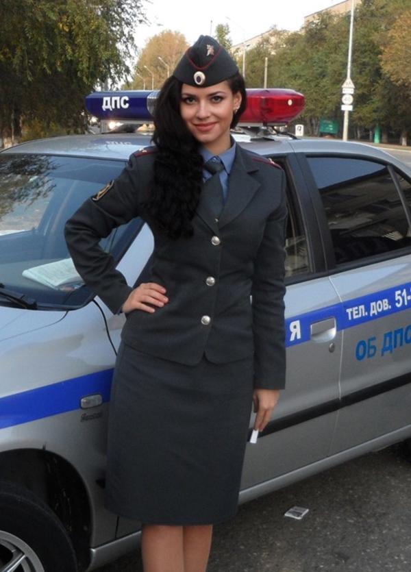 美しい女性警察官4