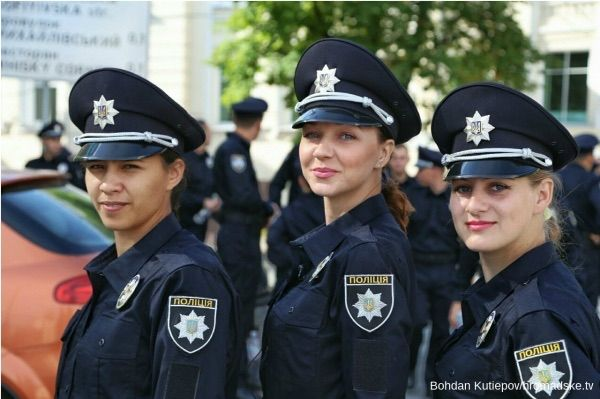 美しい女性警察官12