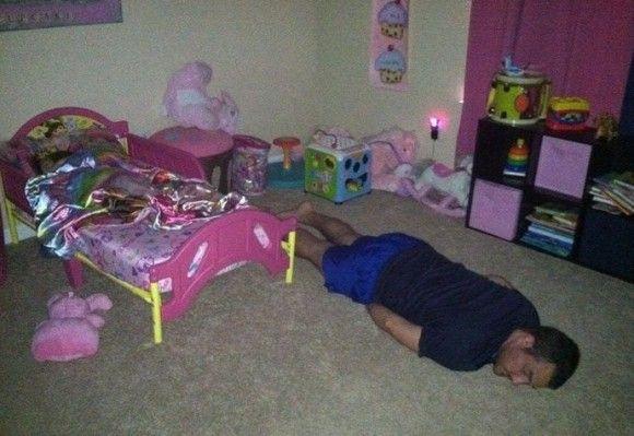 こんなところで寝るの?8