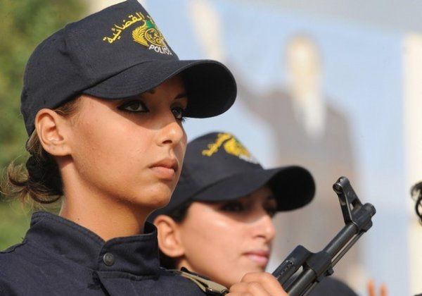 美しい女性警察官20